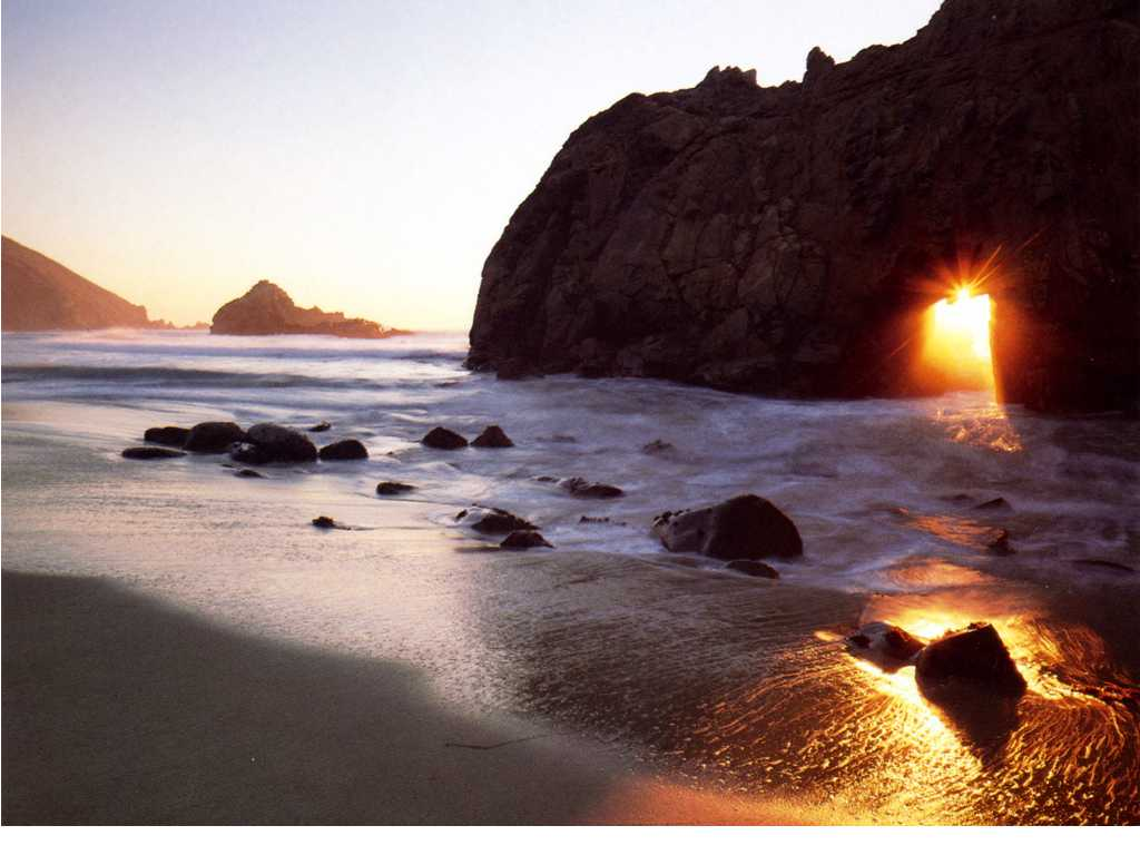 Pantai terindah dunia most beautiful beach in the world for Pretty beaches in california